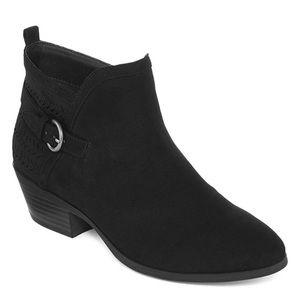 NIB St. John's Bay Leia Block Heel Side Zip Bootie